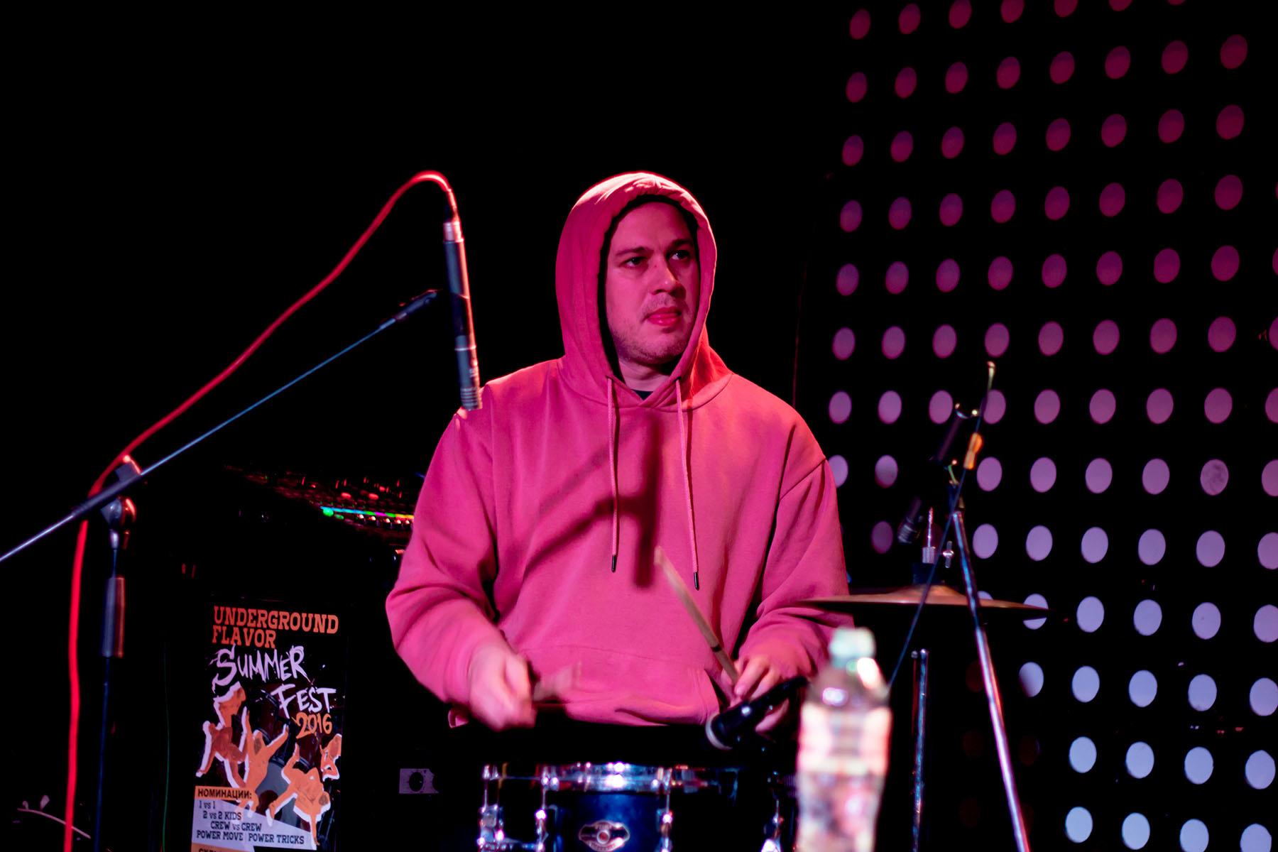 Акустический концерт двух Виталиков 17 янв 2020 в Sgt.Pepper's Bar в Краснодаре