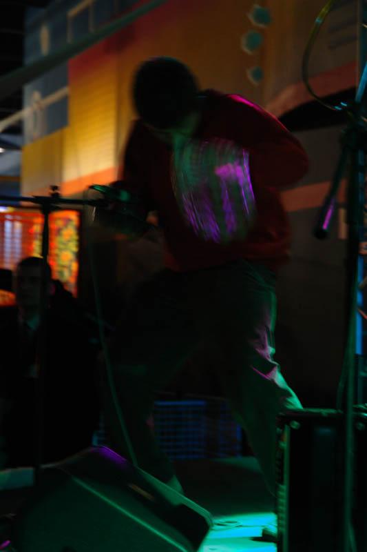 7 декабря 2006. Развлекательный центр Улетов и Ко. Самый лучший наш концерт! :) Итак... Последний концерт в Краснодаре. Фотки пополню потом.